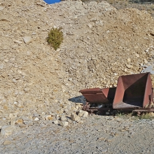 Loren im Steinbruch